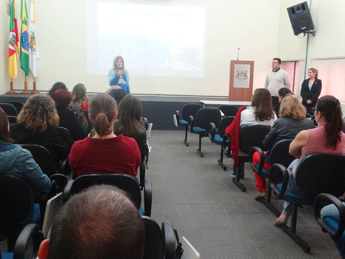 Servidores Participam De Palestra Motivacional Prefeitura