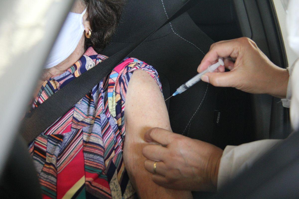 Idosos de 80 anos ou mais recebem a segunda dose da vacina contra o  coronavírus na próxima semana - Prefeitura de Caxias do Sul